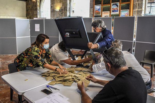 La gauche conserve la majorité absolue au conseil départemental, le RN fait choublanc, l'abstention toujours aussi élevée dans les Pyrénées-Orientales.