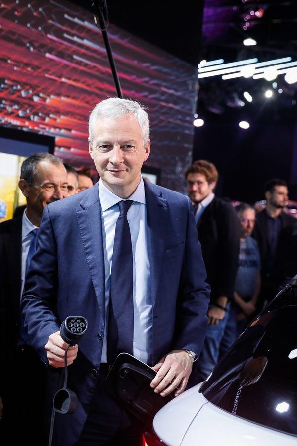 Bruno Le Maire au salon de l'automobile, en 2018