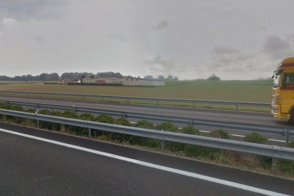 Aérodrome d'Yvetot vu de l'autoroute A29