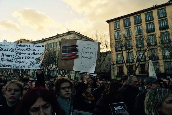 Rassemblement à Bastia #JeSuisCharlie