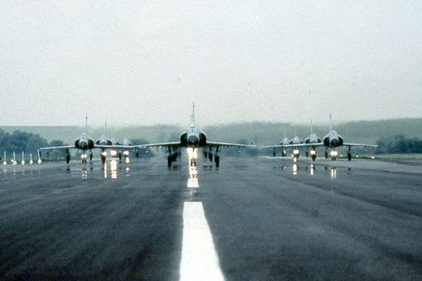 En 1984 la BA 102 est choisie pour accueillir le Mirage 2000