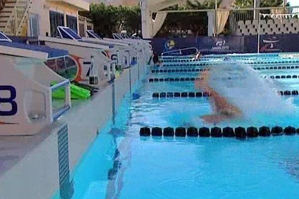 Canet-en-Roussillon (Pyrénées-Orientales) - piscine - juin 2013.