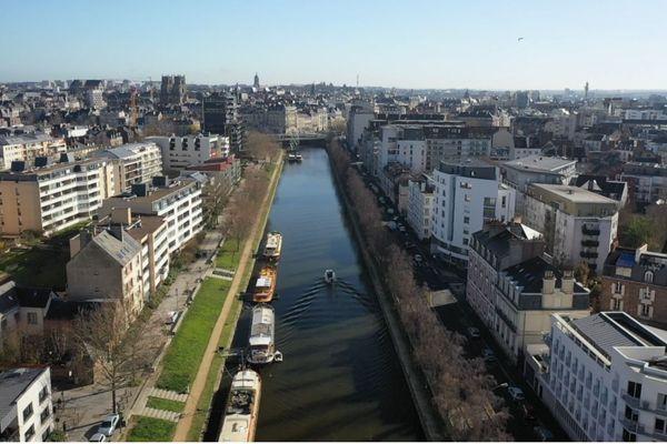 """Par sa petite taille, pendant longtemps la Vilaine n'a pas été considéré comme un fleuve """"majestueux, qui en impose""""."""