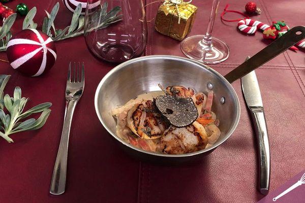 Et si on préparait des Saint-Jacques aux petits légumes et à la truffe pour nos fêtes ?