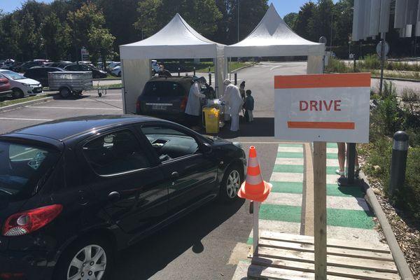 Le drive Covid à Brest, sur le parking de la Clinique Keraudren va déménager vers un endroit permettant de réaliser plus de tests PCR