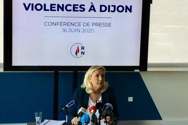 La présidente du Rassemblement national Marine Le Pen s'est rendue à Dijon mardi 16 juin 2020 pour tenir une conférence de presse sur les violences qui ont secoué la ville ces derniers jours, suite à des affrontements entre des Dijonnais et des Tchétchènes.