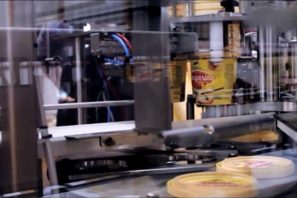 Dans cette usine ouverte fin 2016, on produit de la margarine à partir d'huile de palme produite en Afrique.