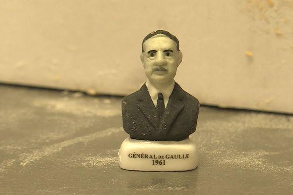 Des fèves à l'effigie du Général de Gaulle dans les galettes d'Olivier Sécher à Blain