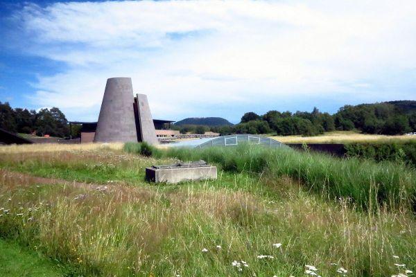 Le parc Vulcania, situé à Saint-Ours-les-Roches dans le Puy-de-Dôme recrute une centaine de saisonniers.