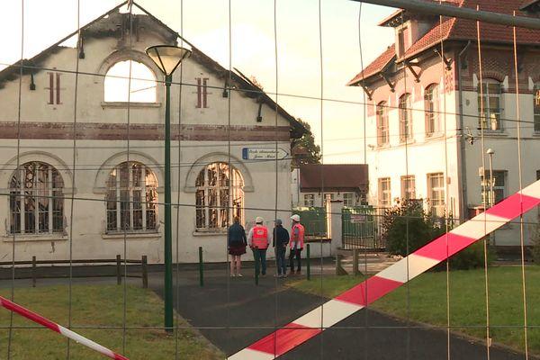 Devant l'école Jean Macé, le 9 septembre.