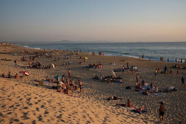 La plage des Estagnots à Hossegor durant les vacances d'été 2020, en pleine épidémie de Covid-19.