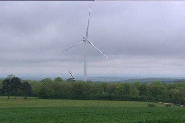Parc éolien à Bessey-sur-Chaume (Côte-d'Or)