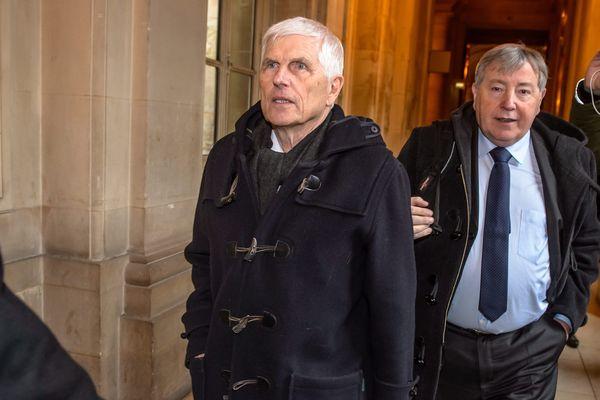 Serge Biechlin (à gauche) et Daniel Grasset, représentant la société Grande Paroisse, au Palais de Justice de Paris.