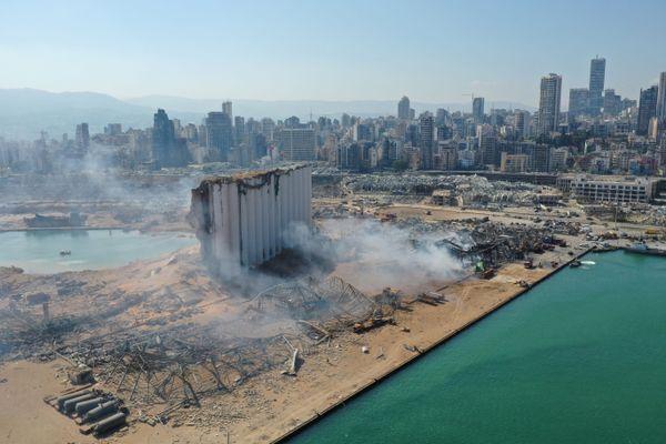 Deux explosions très violentes ont dévasté la moitié de la ville de Beyrouth, au Liban.
