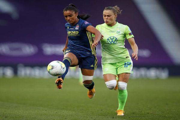 Sakina Karchaoui, footballeuse de l'OL formée au MHSC, lors de la finale de la Champions League 2020 remportée par les Lyonnaises face aux Allemandes de Wolfsburg