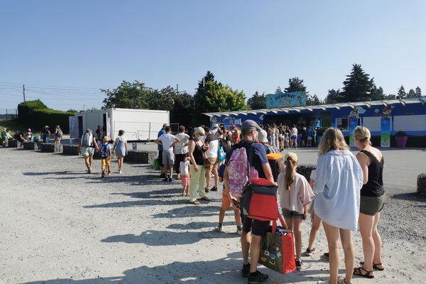 Le parc d'attraction Papéa Parc, près du Mans, dans la Sarthe, a mis en place un centre de dépisage Covid à l'entrée de son site.