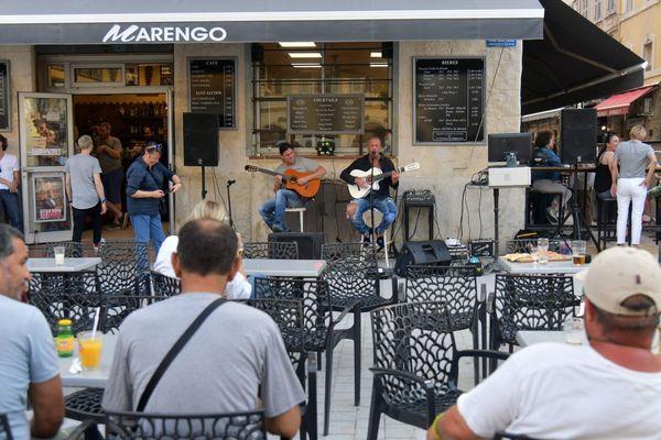 Mini-concerts et public assis sont les contraintes imposées pour la fête de la musique.