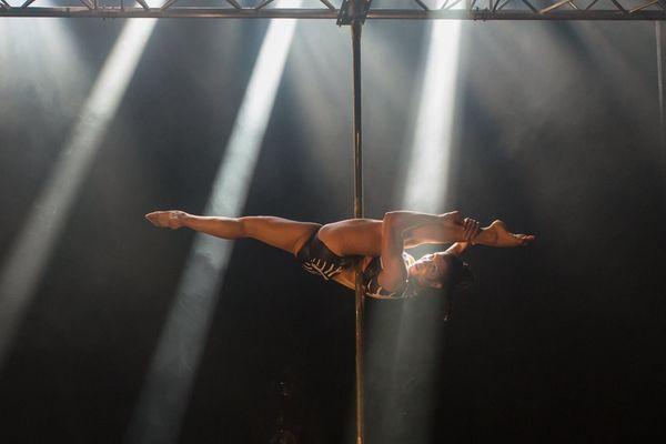 Céline Counali a été sacrée championne de France de pole dance
