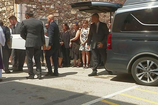 Estagel (Pyrénées-Orientales) - les obsèques de Prescillia décédée le 7 juillet dans le cimetière de la commune catalane - 22 juillet 2019.