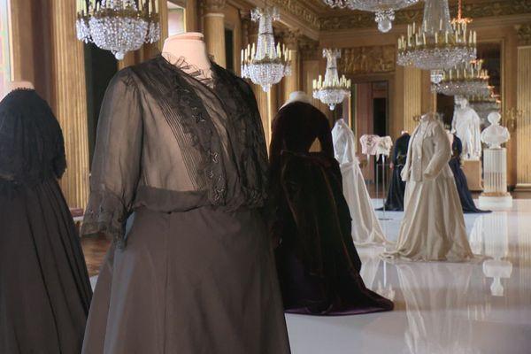 La collection de vêtements de l'impératrice Eugénie exposée au château de Compiègne jusqu'au 15 novembre 2020