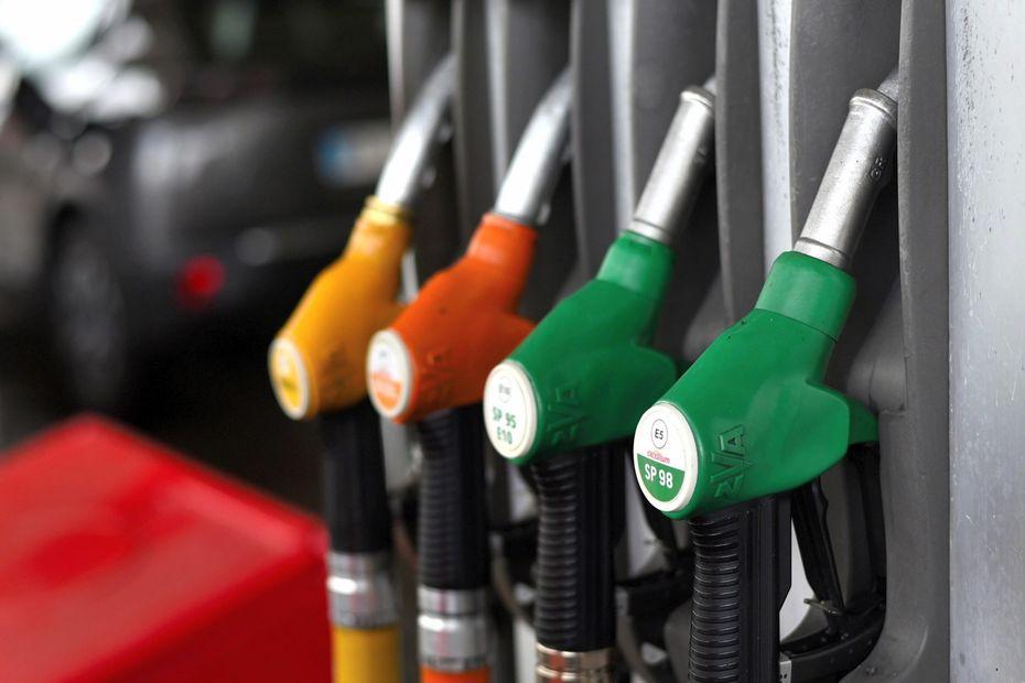TÉMOIGNAGES. Augmentation du prix du carburant : ils envisagent de démissionner, réduisent leurs trajets, et surveillent leurs dépenses...