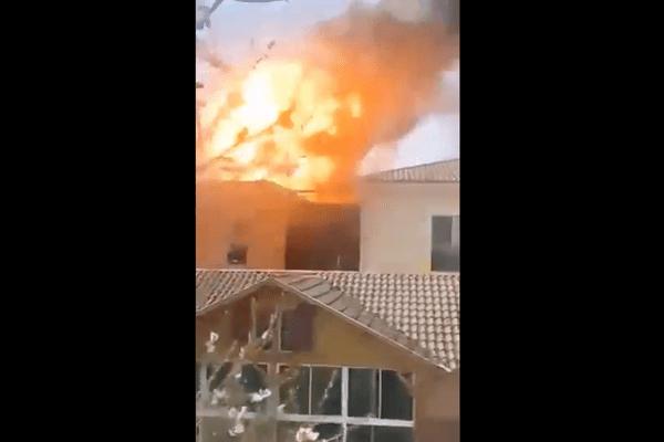 Un incendie s'est déclaré mardi 30 mars dans un collège de Saint-Gaudens (Haute-Garonne). Deux explosions ont eu lieu.