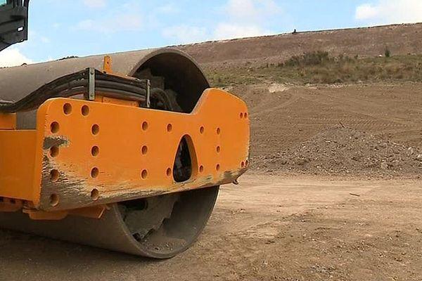 Salsigne (Aude) - le site de stockage des déchets toxiques de l'ancienne mine d'or situé à Montredon - octobre 2017.