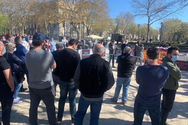Une soixantaine de forains de la région se sont rassemblés pour demander la reprise des fêtes foraines. - 24 mars 2021