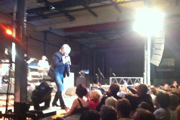 Une journée festive pour les Séniors, ici Patrick Juvet sur scène au Parc des Expositions de Reims