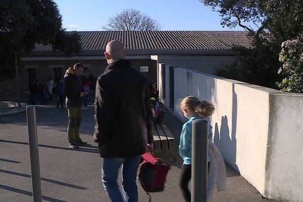 Rentrée des élèves dans une école du Crès dans l'Hérault, lundi 9 mars 2020