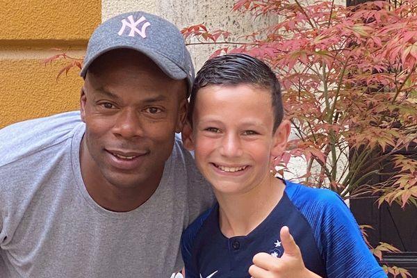 Nathan a pu manger notamment avec Sylvain Wiltord, ancien joueur de l'équipe de France de Football