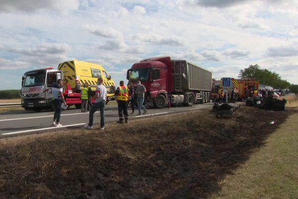 La conductrice de la voiture, victime de graves brûlures a été héliportée à Amiens en urgence absolue
