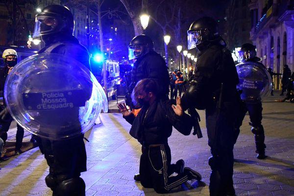 Arrestation à Barcelone la nuit dernière.