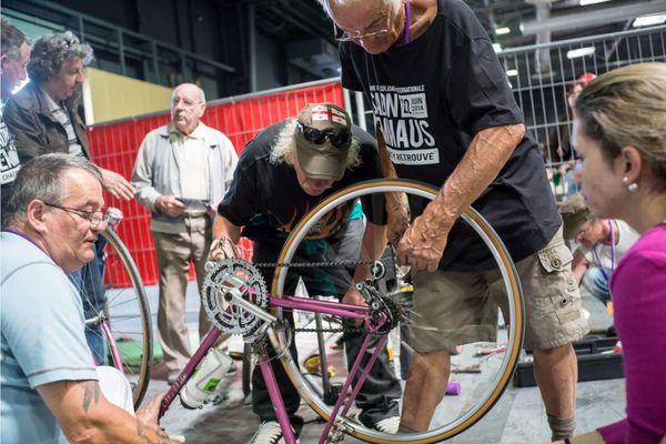 Réparation d'une bicyclette