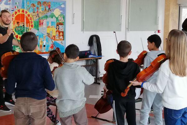 A cause du confinement, le projet pédagogique musical des élèves des écoles de Lagny-le-Sec et Boissy-Fresnoy dans l'Oise a du s'adapter.