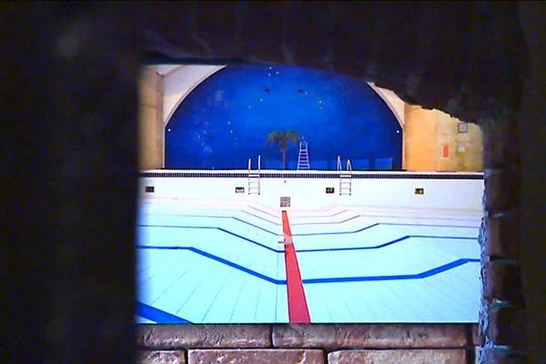 Arnaud Chochon,auteur-photographe de la région toulousaine a choisi d'immortaliser les piscines sans eau. Une fois par an les piscines sont vidées. Pris à cet instant, les clichés révèlent ainsi la beauté de l'architecture de ces monuments. Une exposition visible jusqu'au 2 septembre au Bazacle.