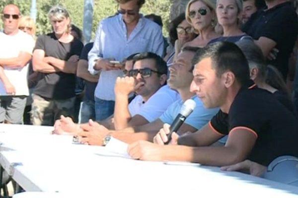 """L'ancien """"prisonnier politique"""", Jean-Marc Dominici, a dénoncé l'injustice que constitue son inscription au fichier antiterroriste, au cours d'une conférence de presse organisée par la LDH et l'associatino Sulidarità, lundi 15 août, à Aléria."""