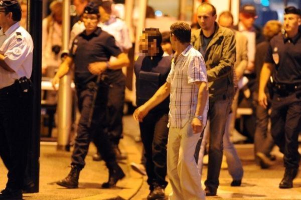 30 juin 2011 : les enquêteurs procèdent à la reconstitution des faits à Saint-Chamond dans la Loire