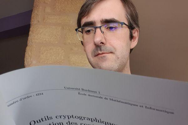 Olivier Blazy est co-signataire d'une lettre ouverte au Gouvernement pour nuancer son projet de traçage des portables après confinement pour lutter contre le covid-19.