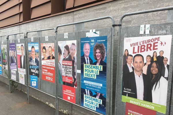 Beaucoup de listes candidates, mais seules six d'entre elles ont franchi le seuil des 5%