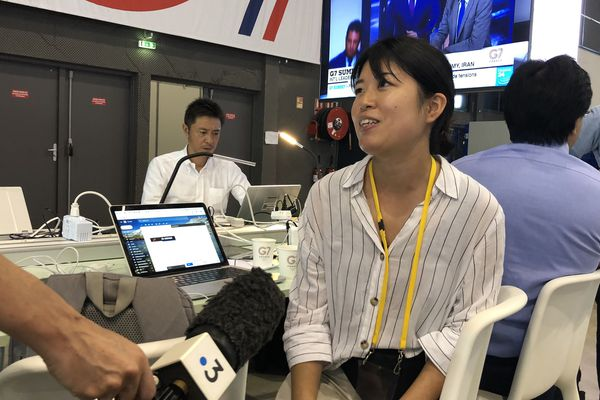 Cette journaliste japonaise est restée dans la salle de presse durant tout son séjour.
