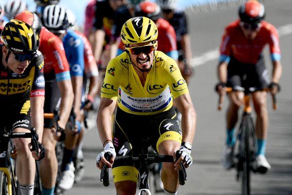 Le Bourbonnais Julian Alaphilippe a concédé son maillot jaune à Mathieu van der Poel lors de la deuxième étape du Tour de France.