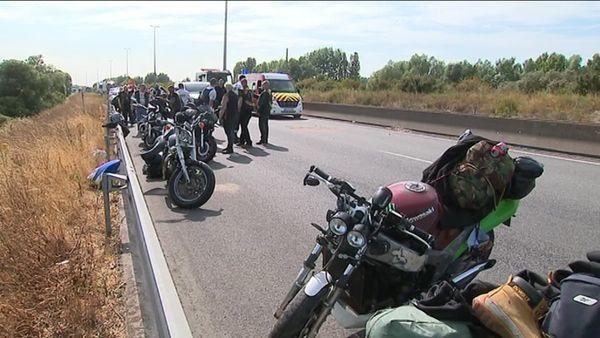 Accident entre 5 motos et 2 voitures sur l'A16, en juillet 2018