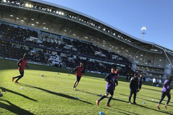 13h45 - échauffement de l'équipe de Trélissac. Le stade de Beaublanc est presque plein.