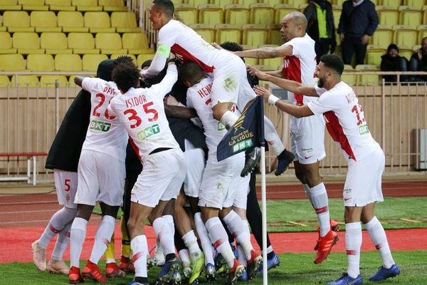 Au Stade Louis II, les Monégasques se réjouissent de leur qualification en demi-finales de la Coupe de la Ligue face aux Rennais, mercredi 9 janvier 2019.