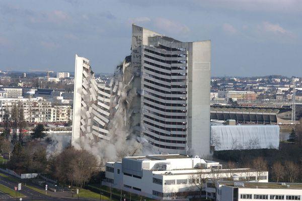 La destruction du Tripode à Nantes, le 27 février 2005