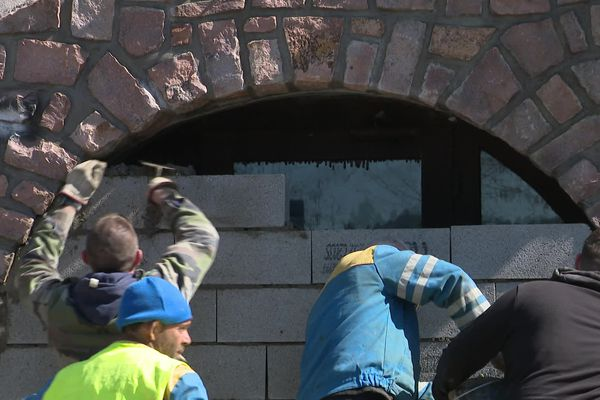 Les 25 accès de cet ancien hôtel gardois ont été condamnés ce samedi.