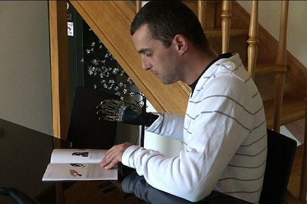 Mickaël Cueff, avec sa prothèse