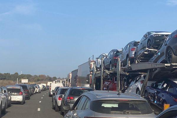 Bouchons formés sur l'autoroute A9 à l'ouest de Montpellier, ce vendredi 26 février.