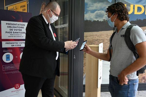 Des recours ont été déposés contre le pass sanitaire dans les centres commerciaux de l'Île-de-France, sauf à Paris. (Illustration)